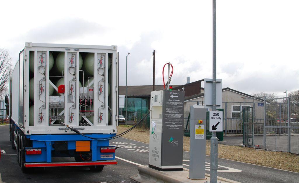 Biometaani kuljetetaan korkeapaineisissa kaasunsiirtokonteissa.